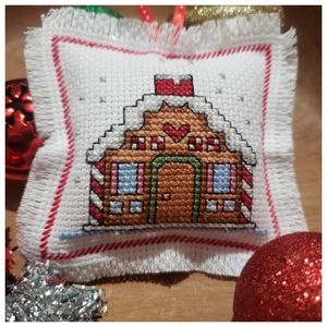 Gingerbread House Christmas Tree Ornament